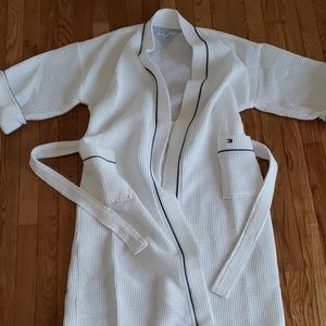 Tommy Hilfiger unisex waffle weave bath robe